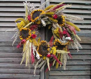 Sun-Oct 18- 2020 ^ Dried Sunflower Wreath